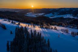 Zimowy wschód słońca na Podhalu