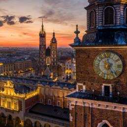 Wieża Ratuszowa, Kościół Mariacki i Sukiennice o świcie